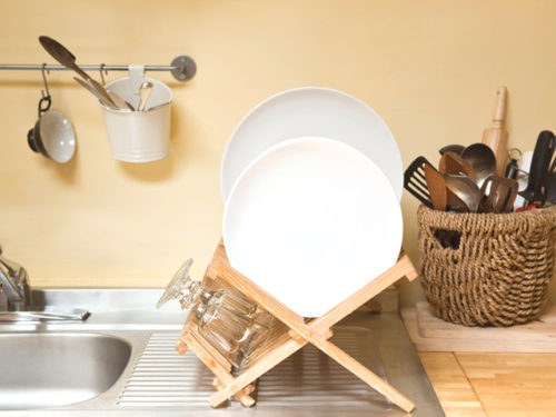 Drying rack of dishes